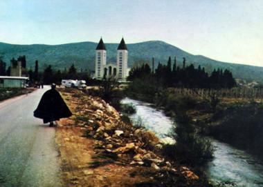 Cesta ke kostelu
